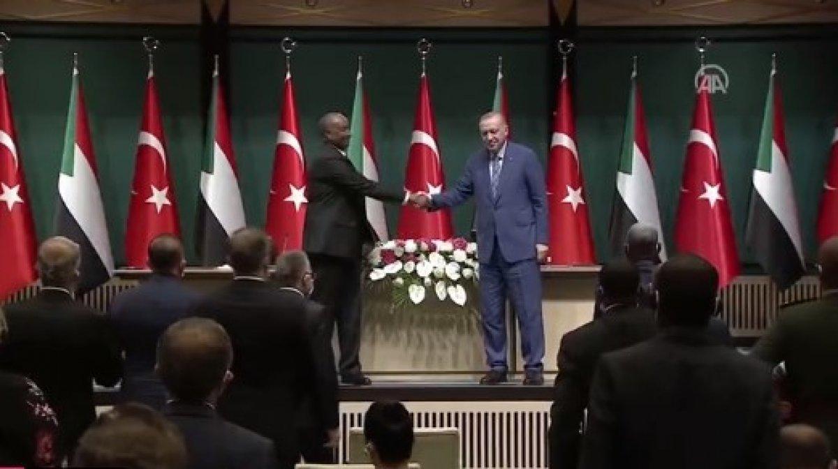 Cumhurbaşkanı Erdoğan dan Sudan Devlet Başkanı ile ortak açıklama #1