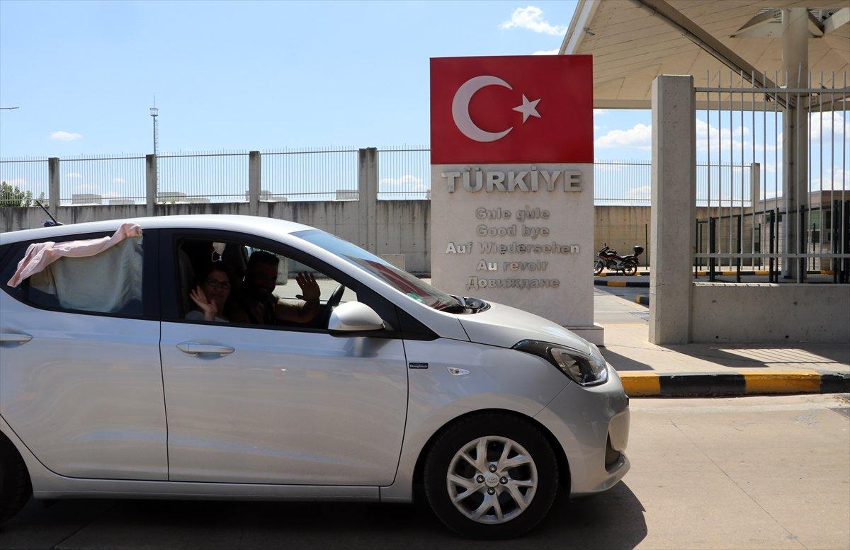 Dönüş yoluna geçen gurbetçiler Türkiye den hüzünle ayrılıyor #3