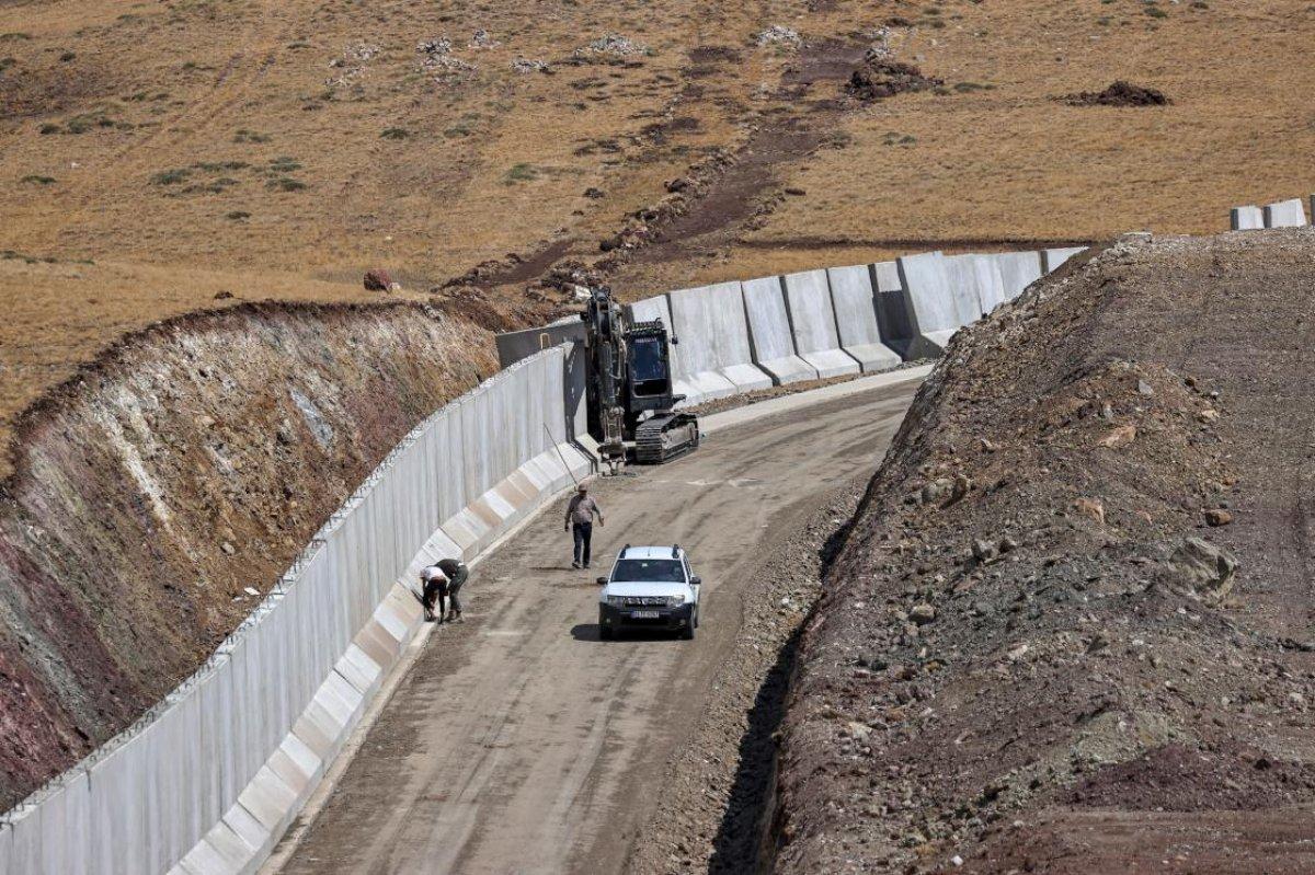 Van ın İran sınırında 69 bin 156 göçmenin kaçak geçişi engellendi #2