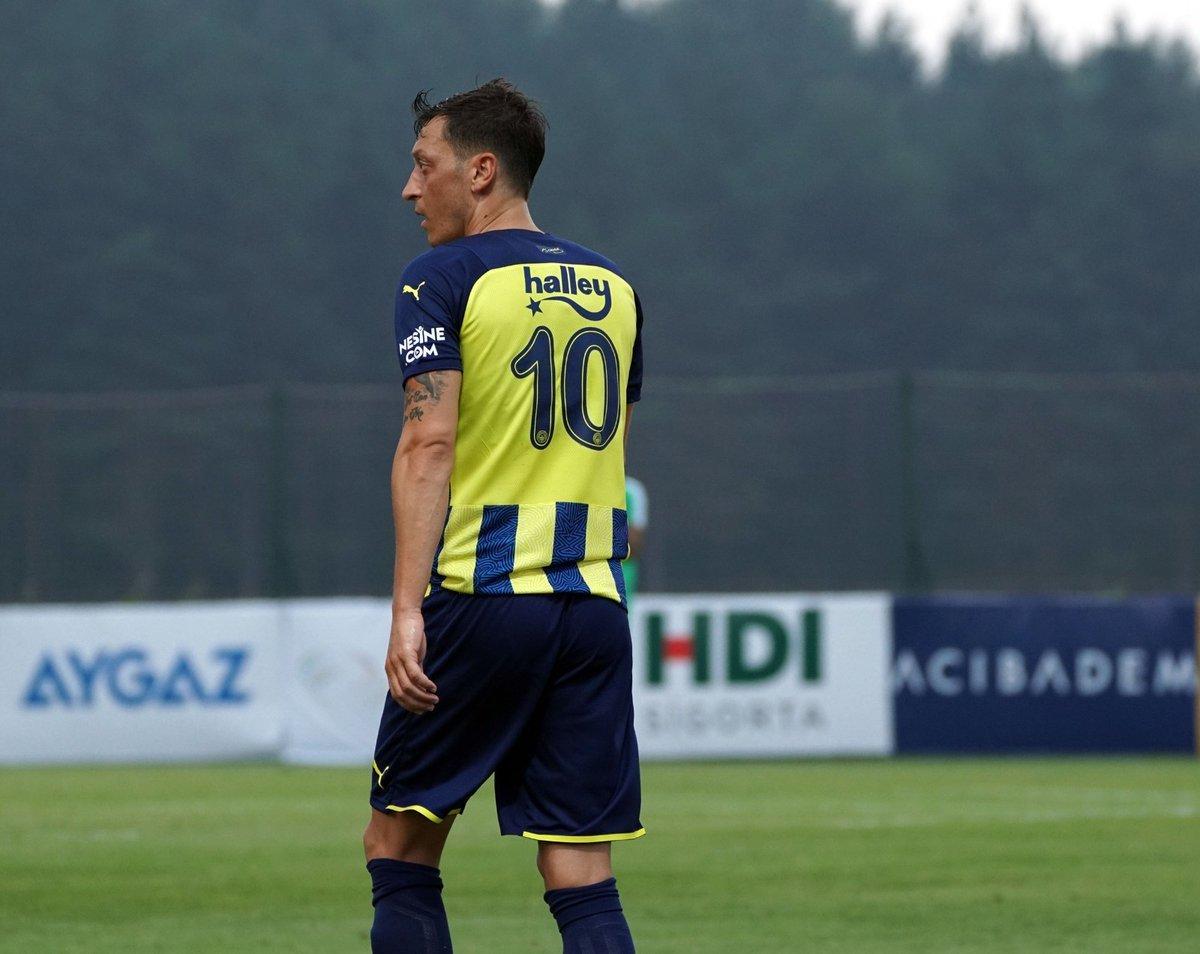 Mesut Özil: Bu formayı giymek gerçek bir rüya #1