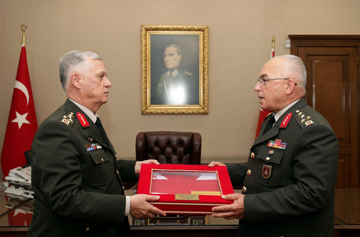 Kara Kuvvetleri Komutanlığı nda devir teslim töreni #3
