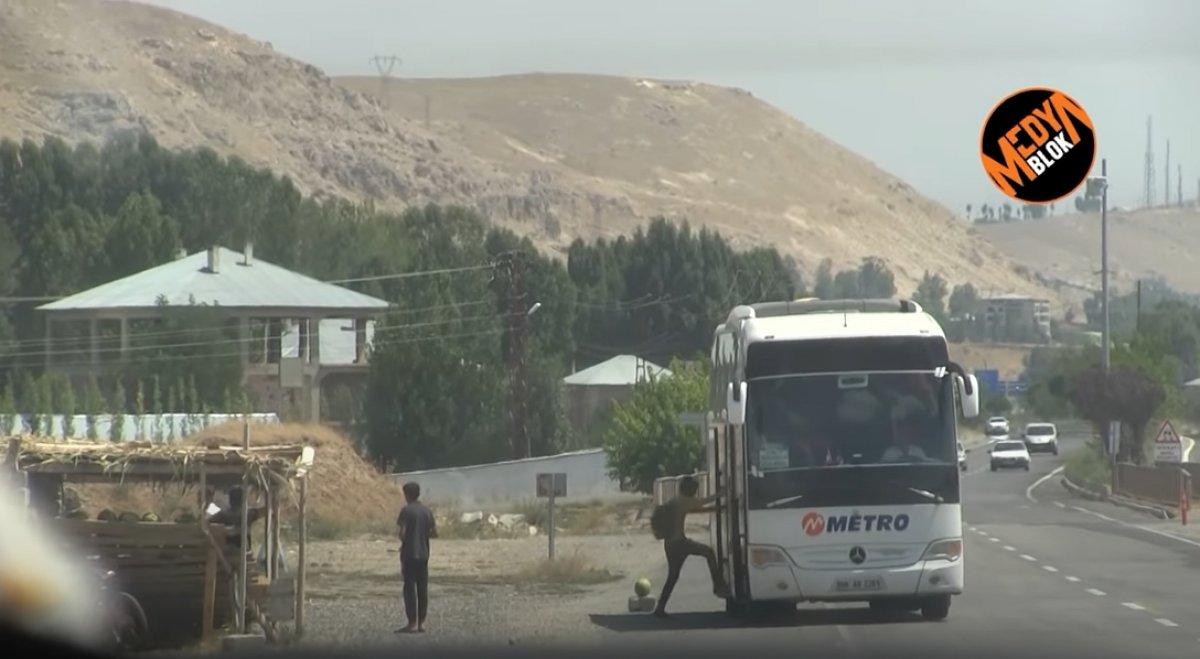 Van da kaçak göçmen taşıyan otobüs firması ve görevlilere soruşturma  #2