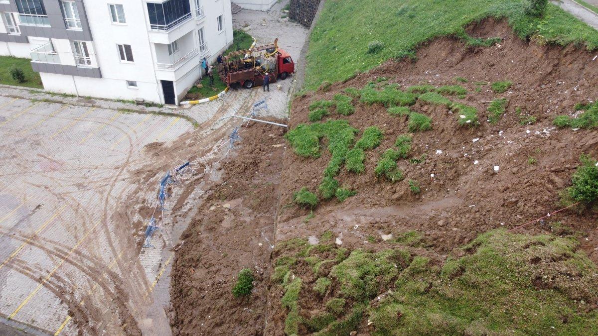 Ordu da sel sonrası sahil çamura büründü #2