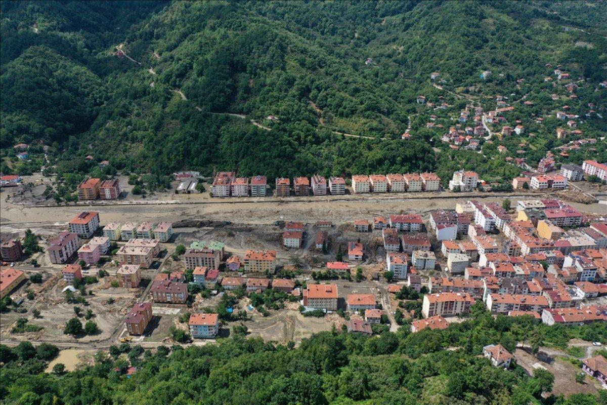 Kastamonu nun Bozkurt ilçesinde selin yol açtığı tahribat havadan görüntülendi #6
