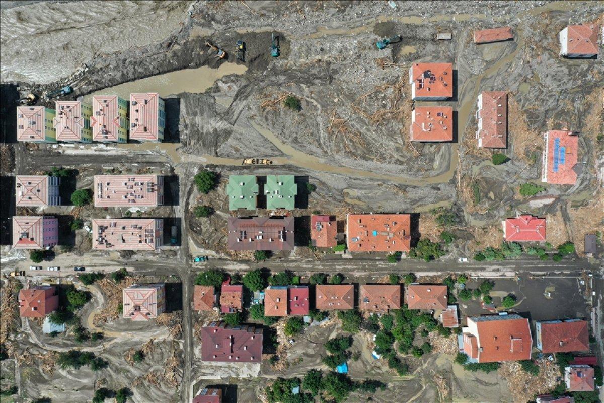 Kastamonu nun Bozkurt ilçesinde selin yol açtığı tahribat havadan görüntülendi #5