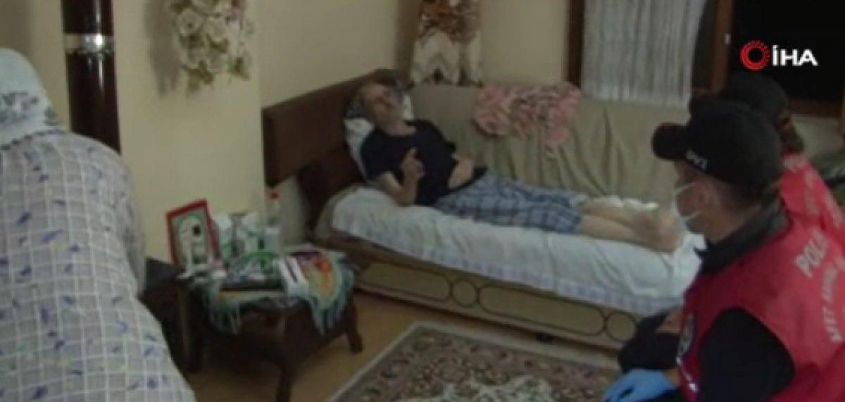 Kastamonu da, polisten yaşlı çifte yardım eli #3