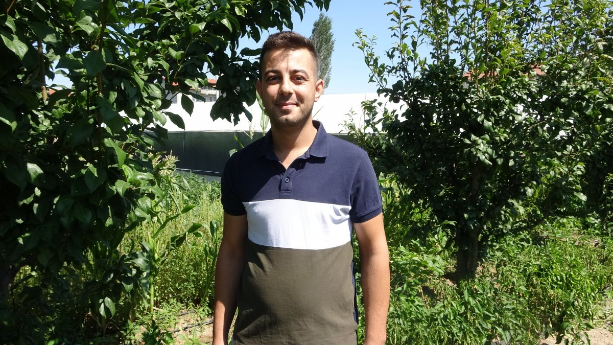 Isparta'da siyah domates üretildi #2