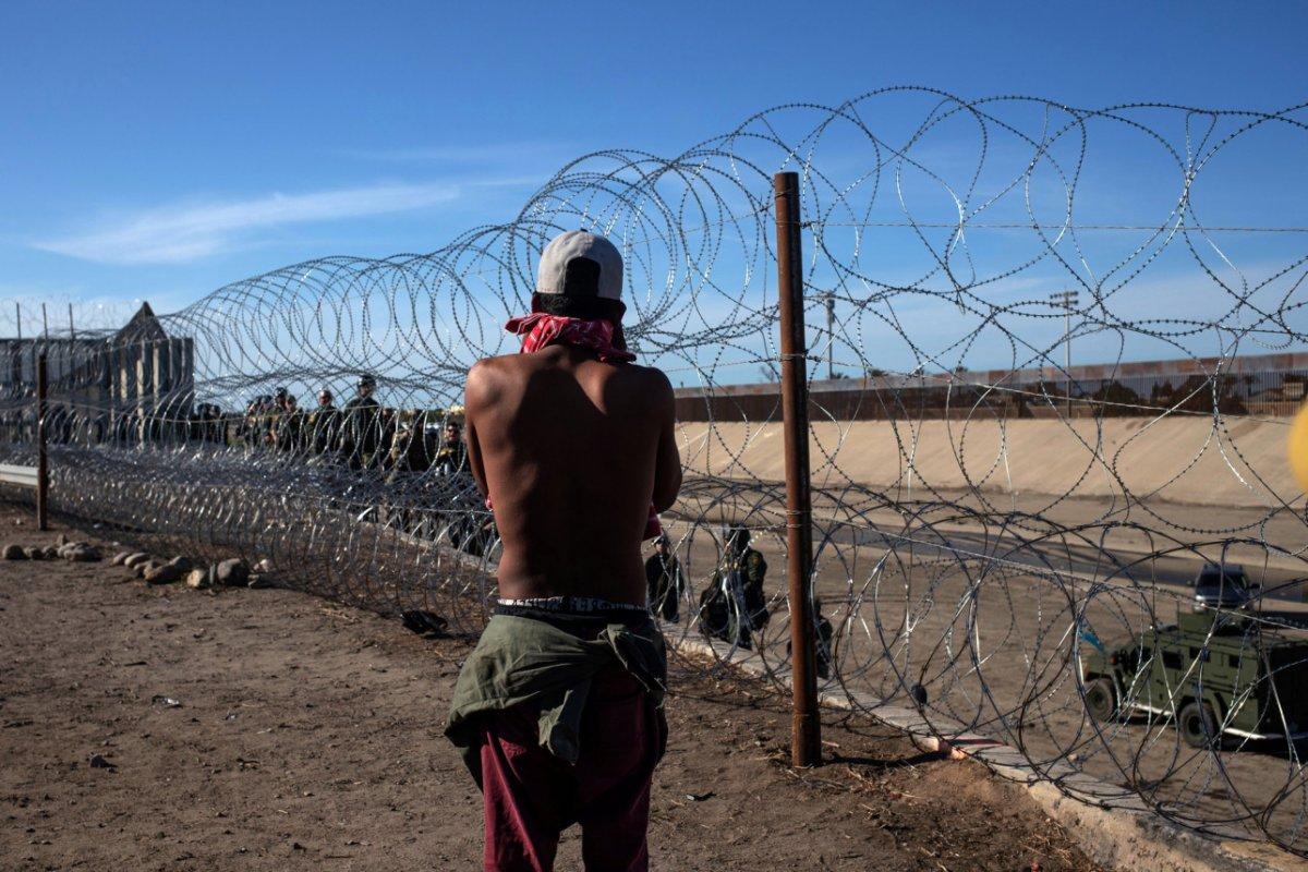 ABD de geçen ay 212 bin kaçak göçmen tespit edildi #2