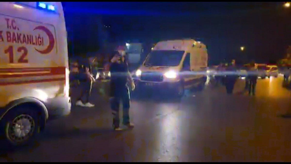 Bursa da yaya halindeki anne ve çocuğa araba çarptı #1