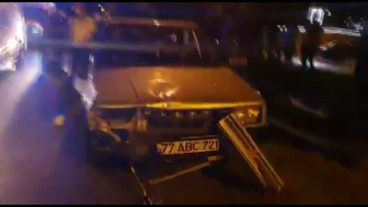 Bursa da yaya halindeki anne ve çocuğa araba çarptı #3