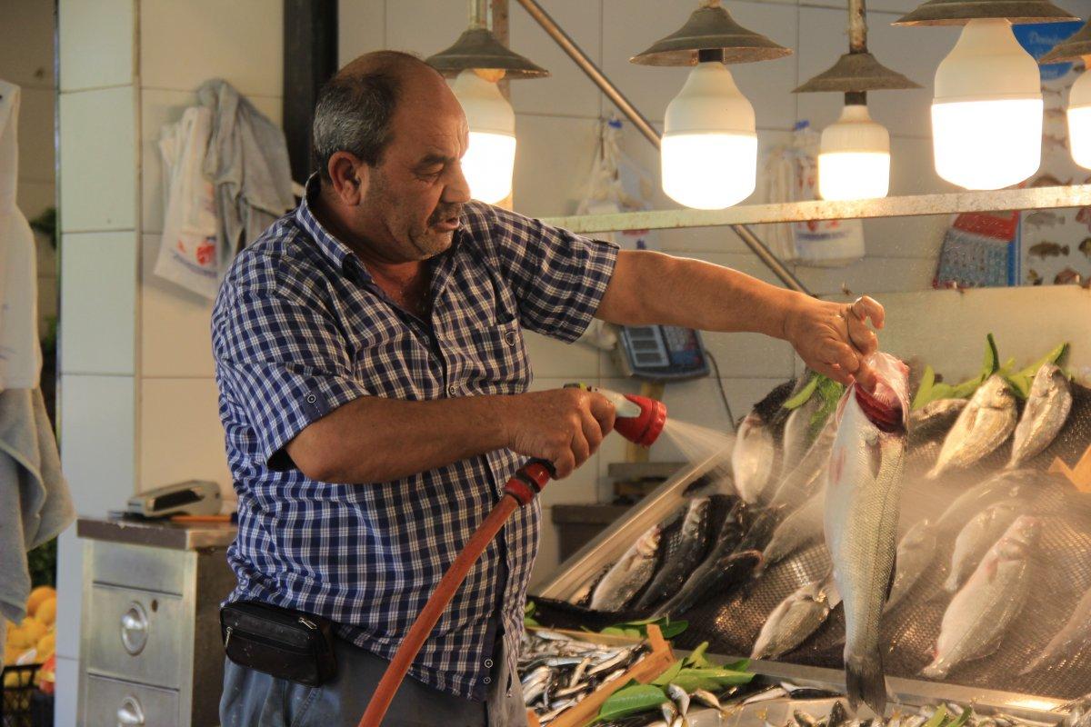 Kocaeli'de müşterisiz kalan balıkçı esnafı isyan etti #4