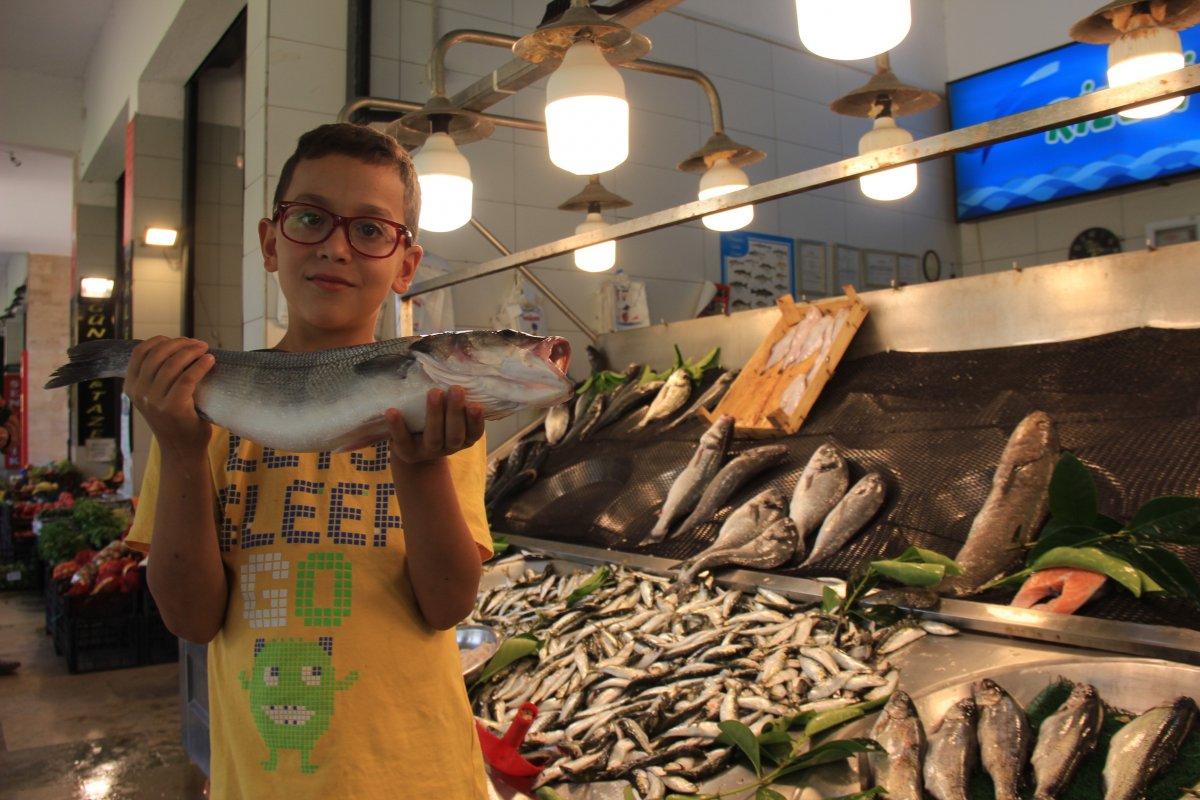Kocaeli'de müşterisiz kalan balıkçı esnafı isyan etti #2