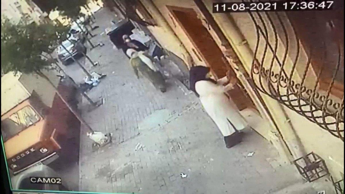 Esenyurt'ta zekat vereceğiz diye kandırdılar, 5 bin lira çaldılar #1