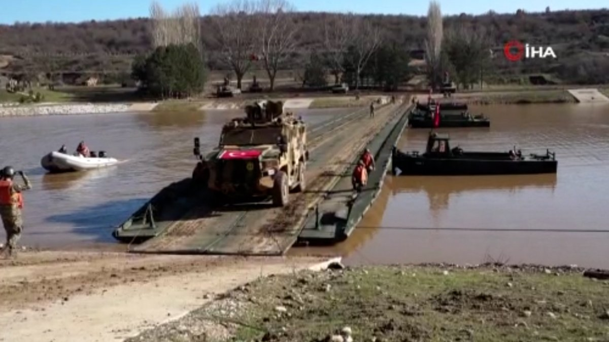 MSB, sel bölgesine 2 yatay kaydırmalı köprü tankı ile 3 sabit köprü aracı gönderdi #2