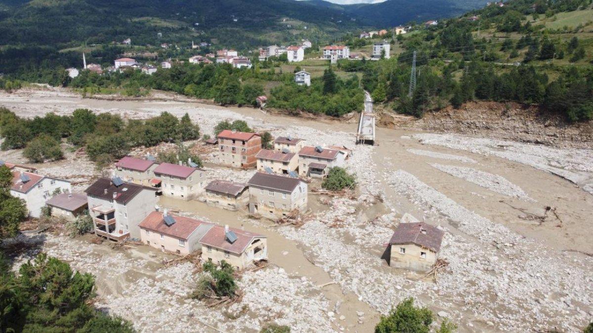 Sinop ta sel nedeniyle 40 ev yıkıldı #2