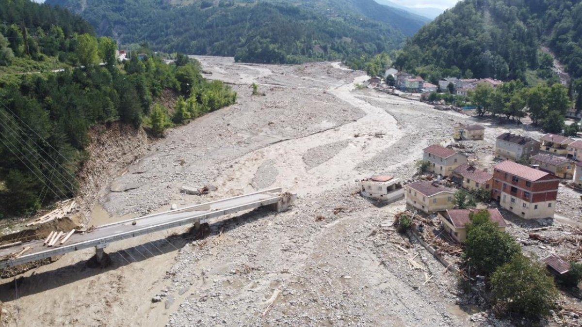 Sinop ta sel nedeniyle 40 ev yıkıldı #3