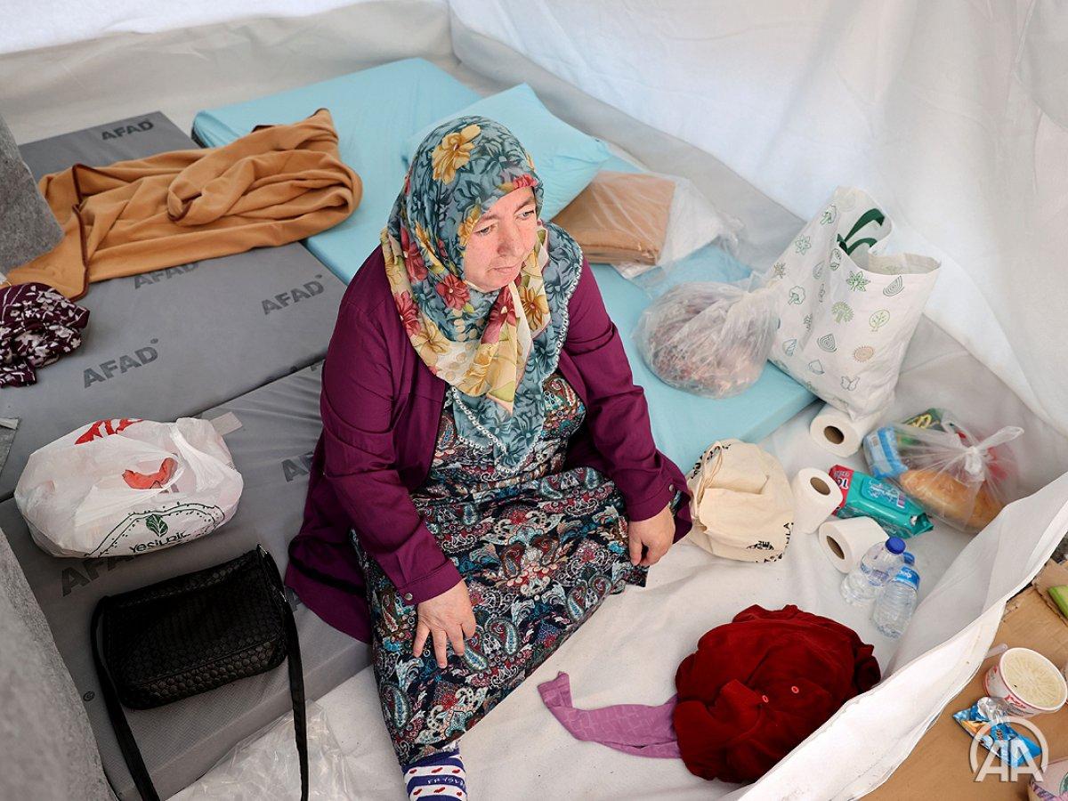 Sel felaketinde evini kaybedenler çadır kentte konaklıyor #3