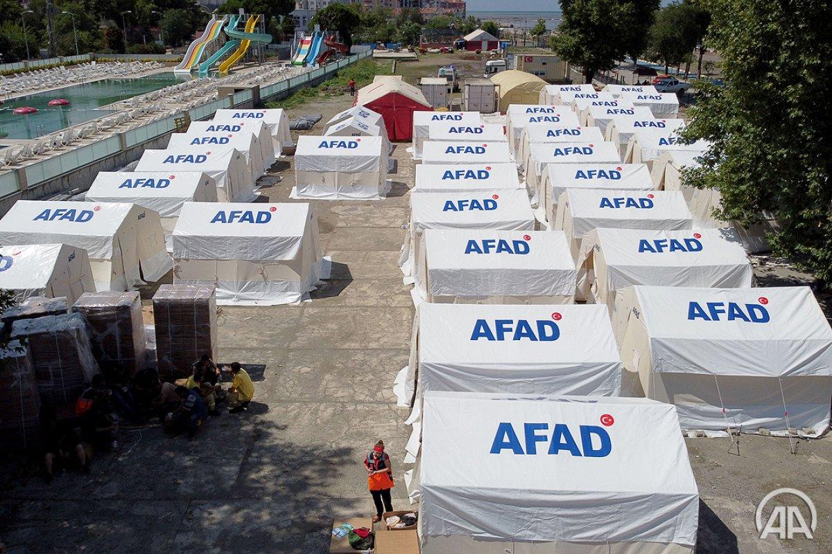 Sel felaketinde evini kaybedenler çadır kentte konaklıyor #4