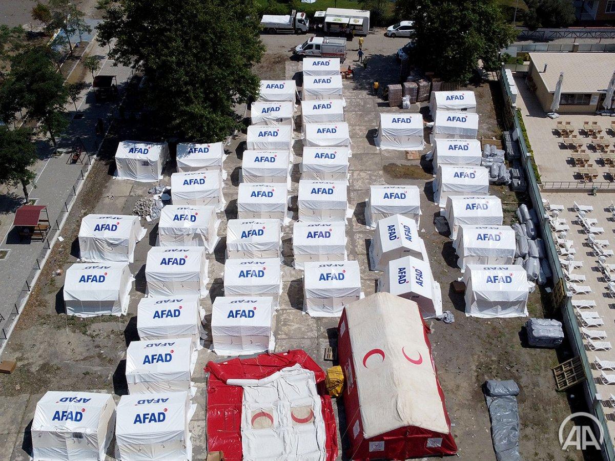 Sel felaketinde evini kaybedenler çadır kentte konaklıyor #1