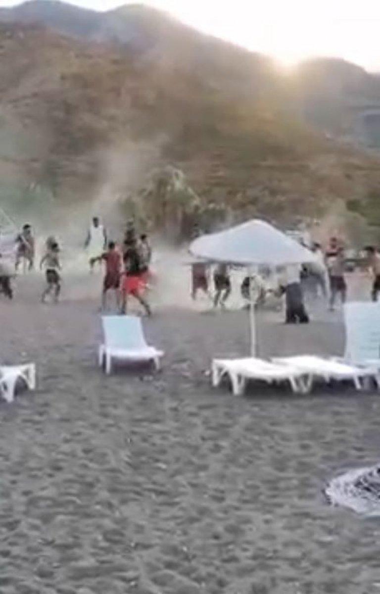 Antalya Kumluca sahilinde kavga #1