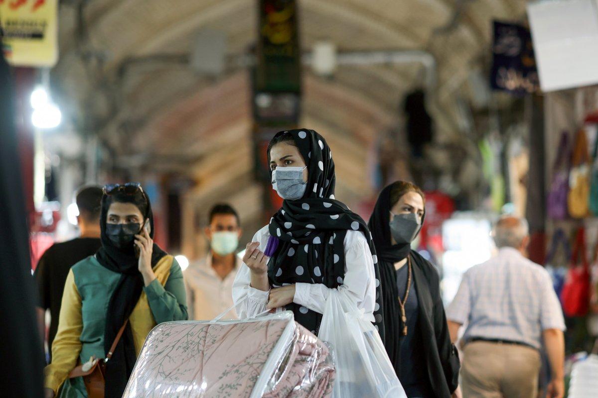 İran'da koronavirüs vakaları nedeniyle 6 günlük kapanma #1