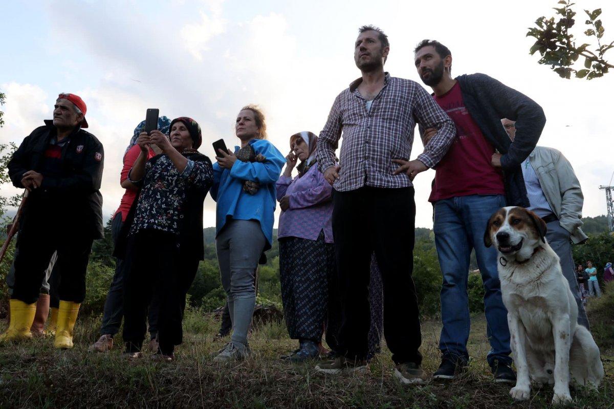 Selde elektriksiz kalan köyler, mobil jeneratörle aydınlanıyor #7