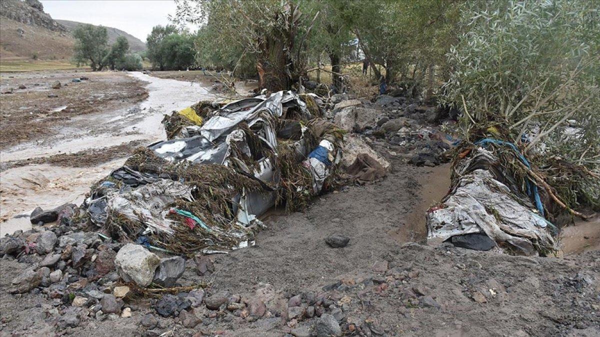Kars'ın Sarıkamış ilçesindeki köyde sel baskını #4
