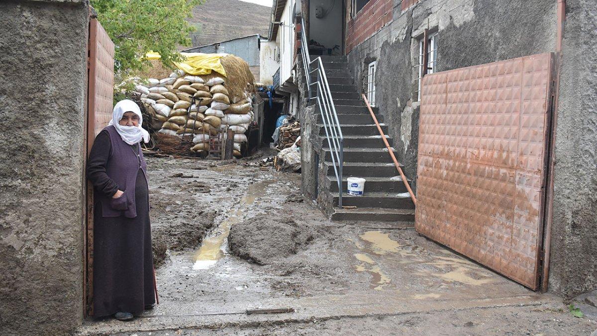 Kars'ın Sarıkamış ilçesindeki köyde sel baskını #5