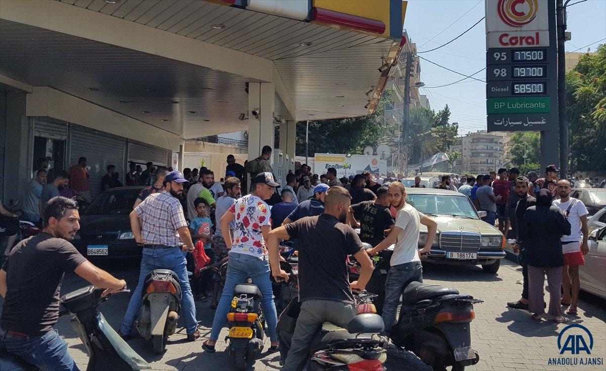 Lübnan da akaryakıt ve ekmek kuyrukları #14