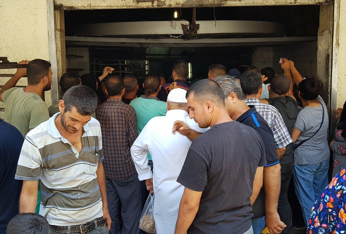Lübnan da akaryakıt ve ekmek kuyrukları #7