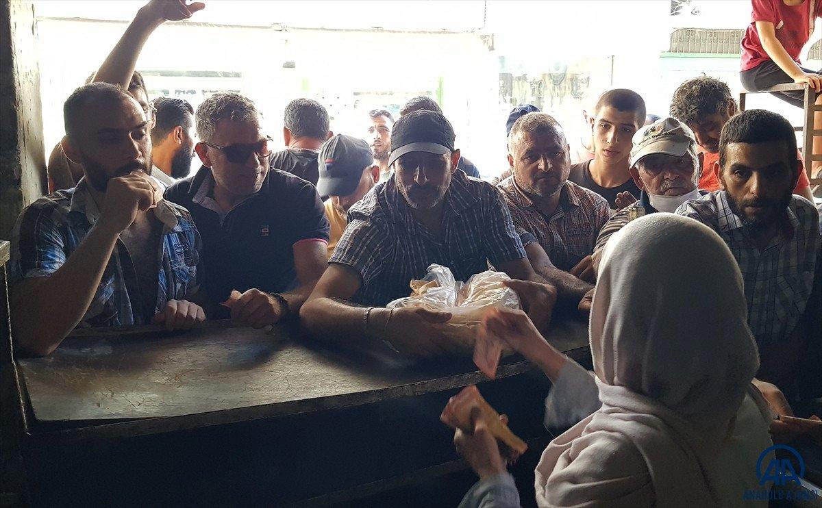 Lübnan da akaryakıt ve ekmek kuyrukları #11
