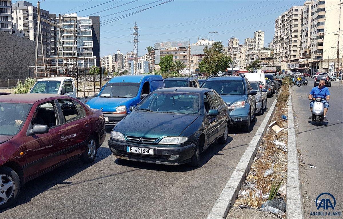 Lübnan da akaryakıt ve ekmek kuyrukları #17