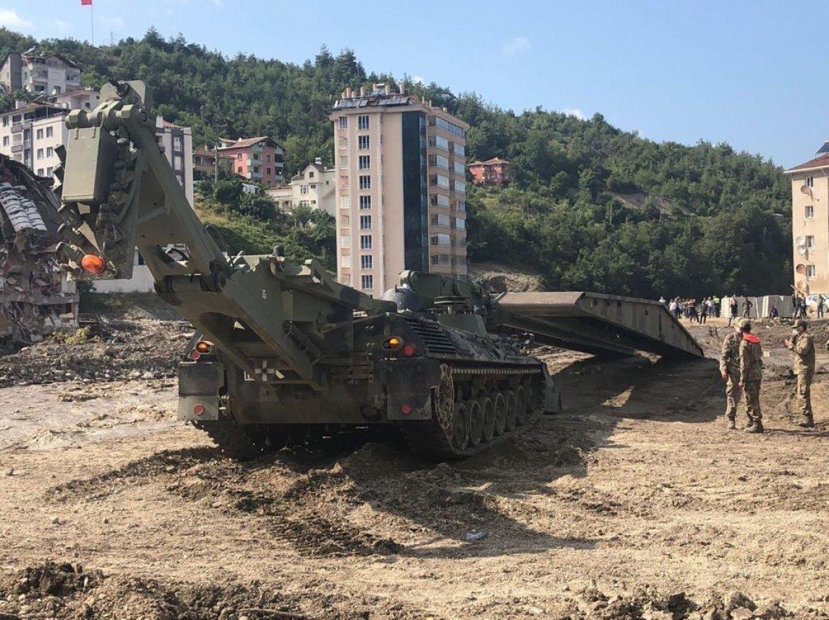 MSB nin sel bölgesine gönderdiği yatay kaydırmalı köprü tankı kuruldu #3
