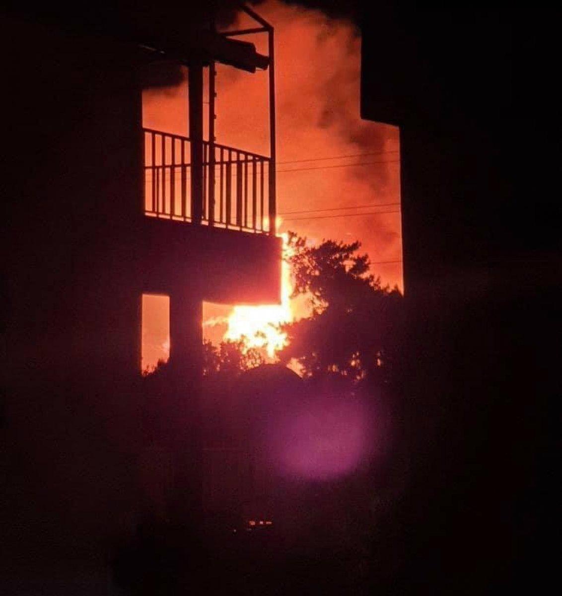 Çanakkale de başlayan yangın kontrol altına alındı #1