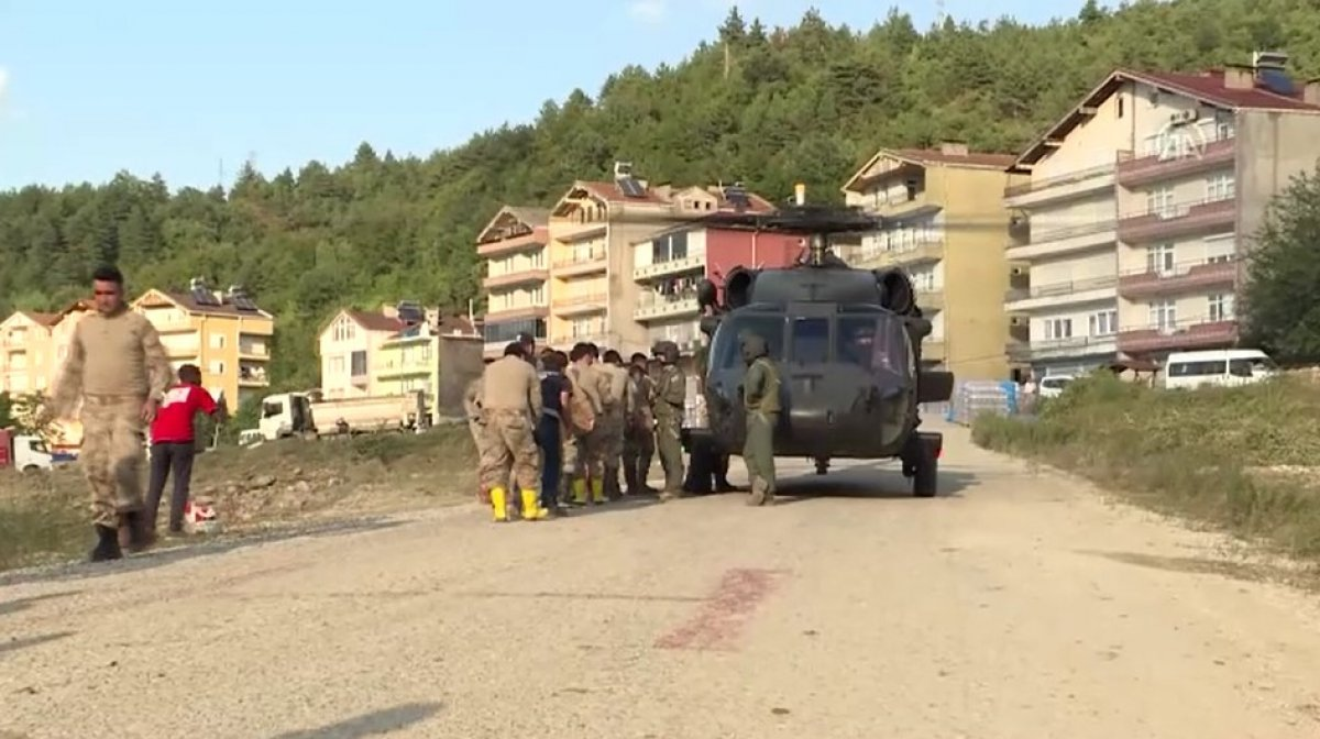 Sinop ta köylere helikopterle erzak taşınıyor #11