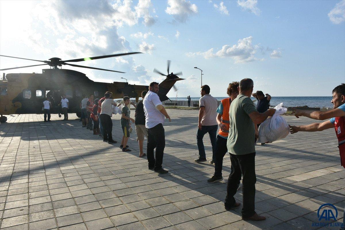 Sinop ta köylere helikopterle erzak taşınıyor #7
