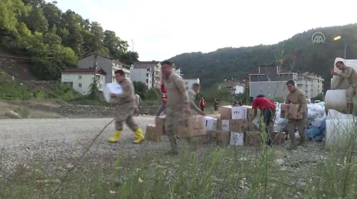 Sinop ta köylere helikopterle erzak taşınıyor #9