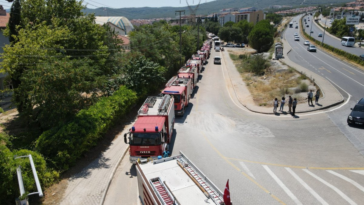 Yangınlara müdahale eden Azerbaycanlı personel, memleketlerine uğurlandı #5