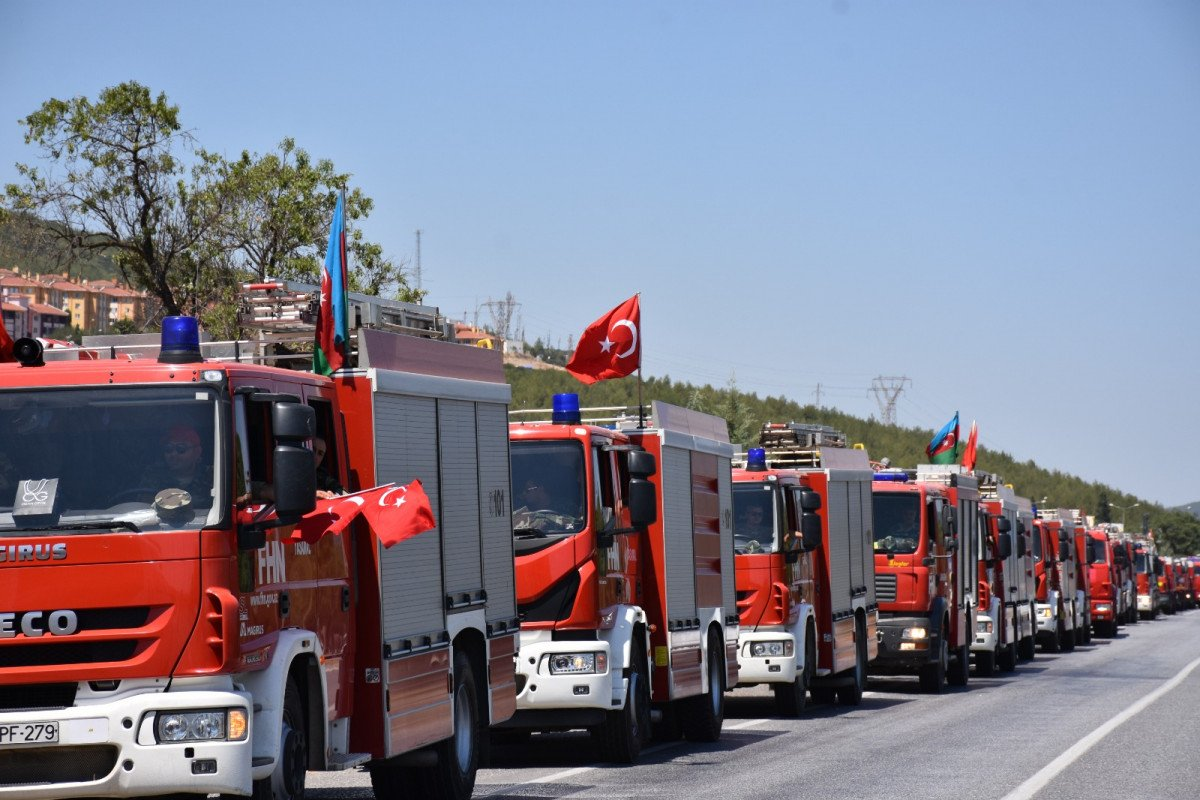 Yangınlara müdahale eden Azerbaycanlı personel, memleketlerine uğurlandı #3