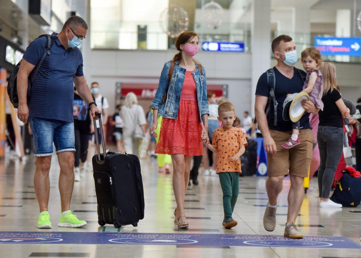 Antalya ya bu yıl hava yoluyla gelen turist sayısı 4 milyonu aştı #1
