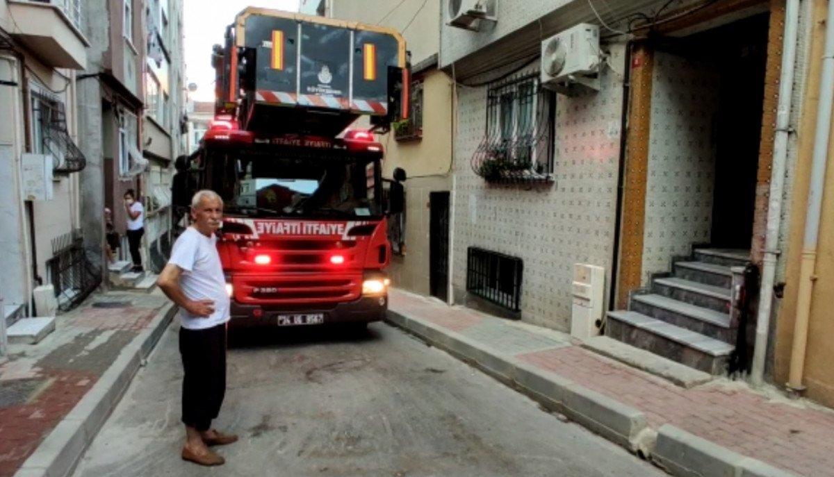 İstanbul da evde fenalaşan kadını itfaiye ekipleri kurtardı #1