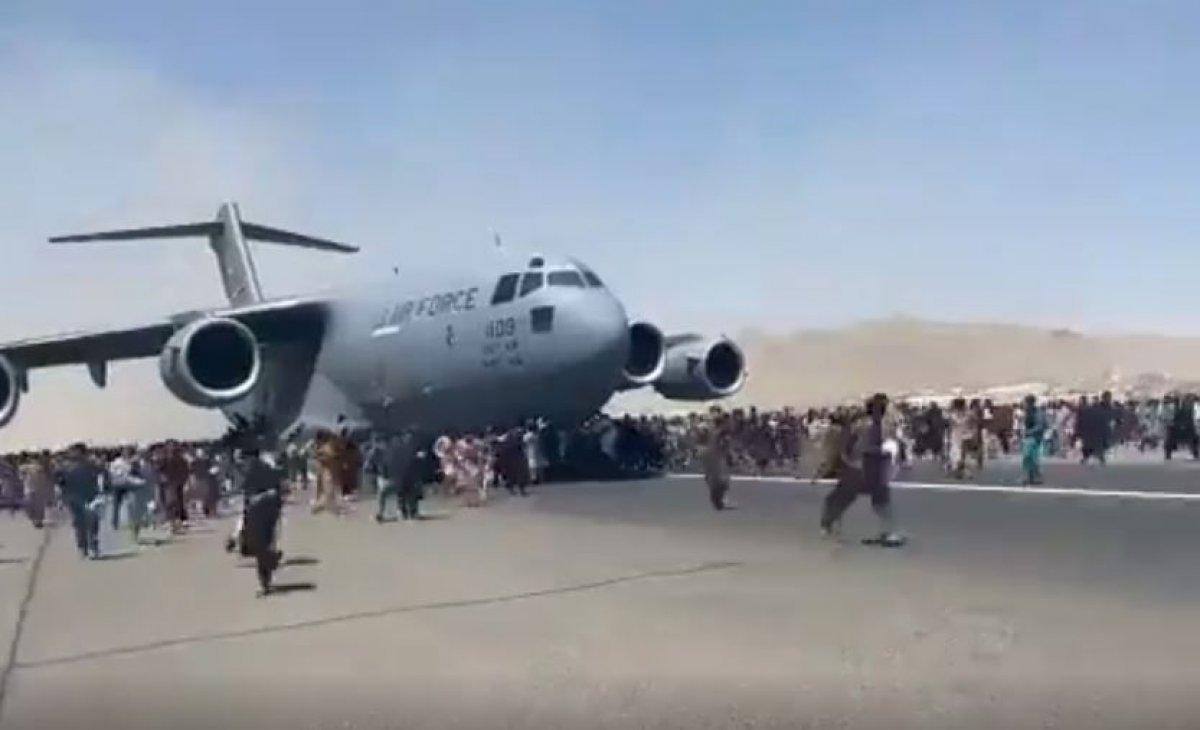 Pentagon: Kabil Havalimanı nda tüm uçuşlar durduruldu #1