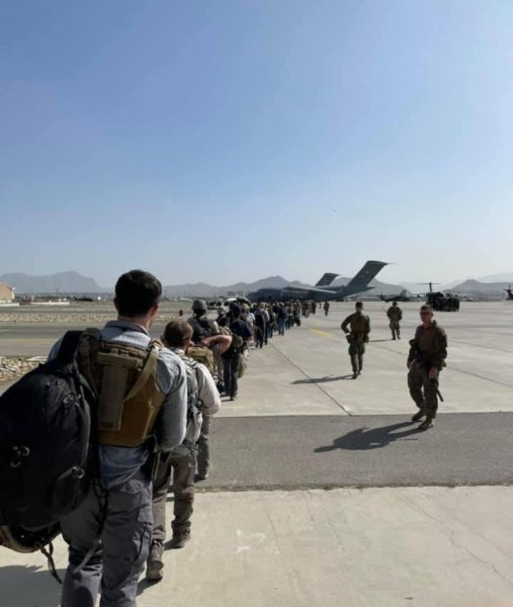 Kabil Uluslararası Havalimanı nda hayatını kaybedenler oldu  #4