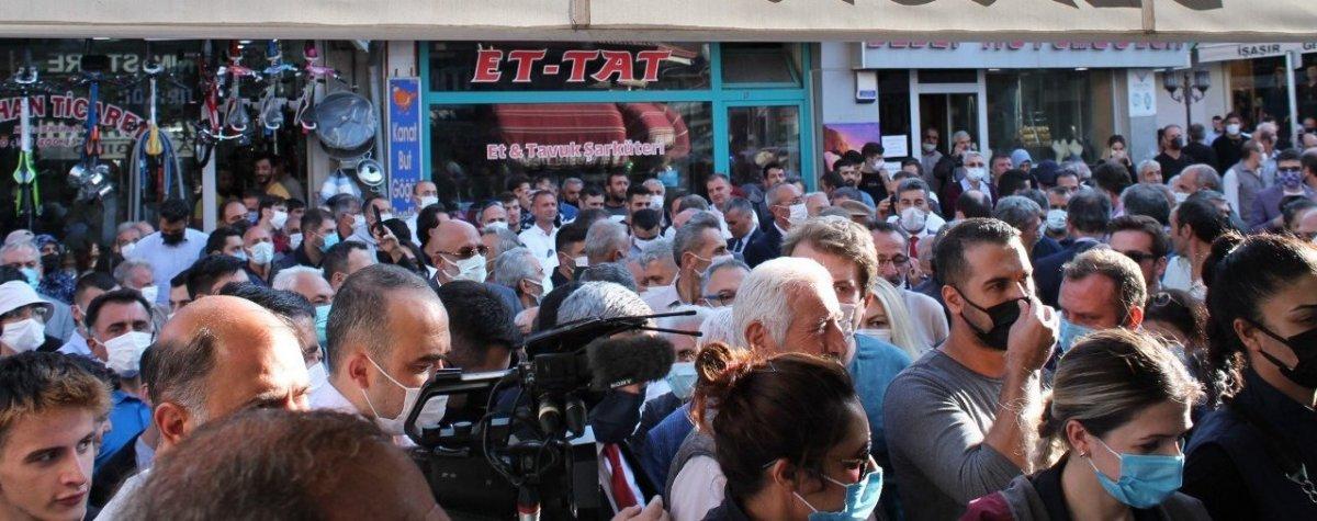 Meral Akşener'in Bayburt ziyaretinde vatandaşlarla partililer arasında arbede #5