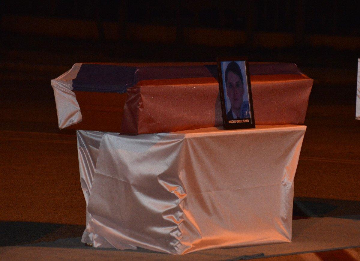 Rus mürettebatın cenazeleri, törenle ülkelerine gönderildi #6
