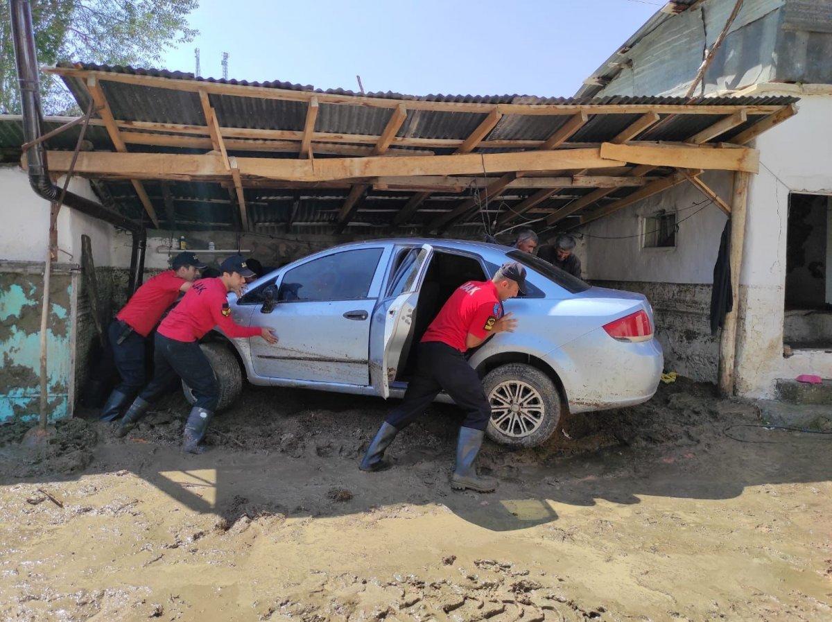 Kars'ta, jandarma ve komandolar sel bölgesinde  #8