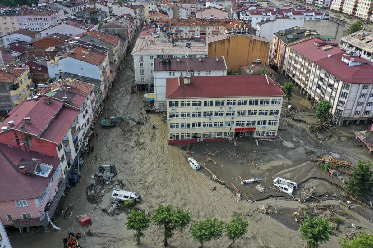 Batı Karadeniz deki sel felaketinin ağır bilançosu #1