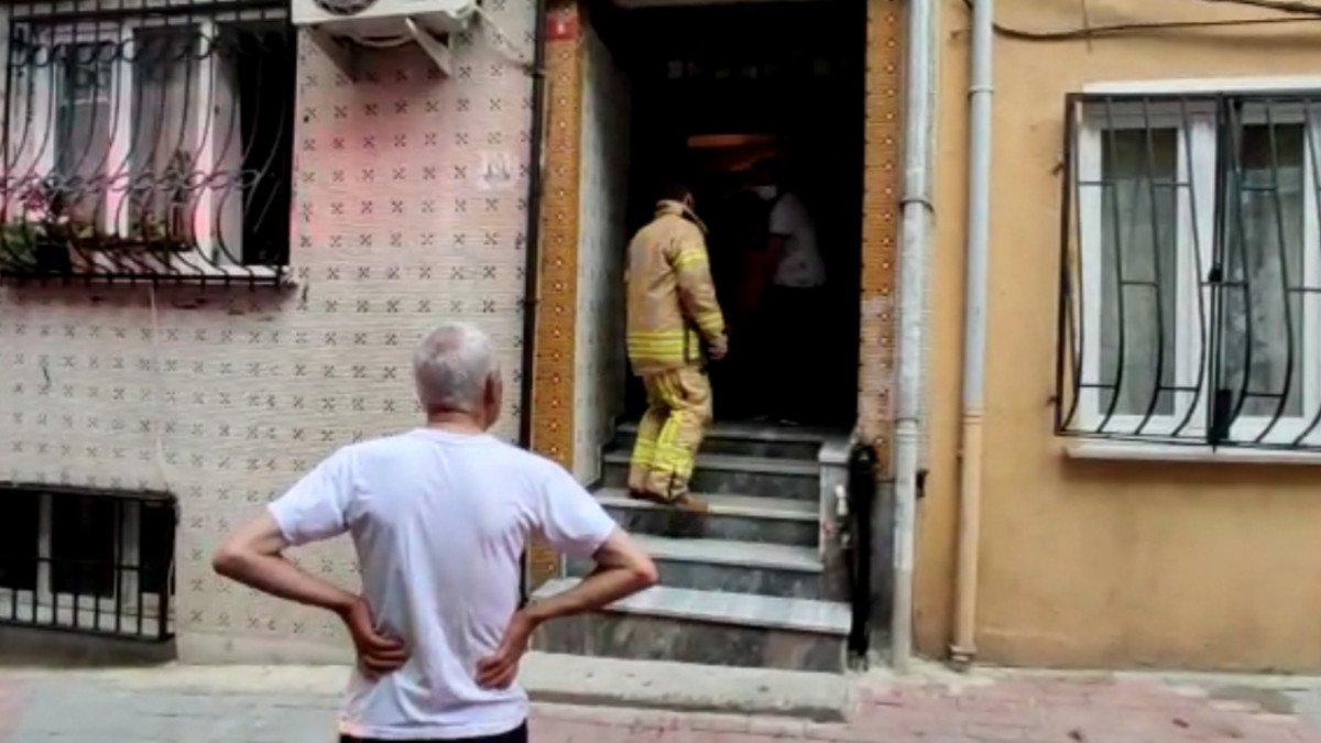 İstanbul da evde fenalaşan kadını itfaiye ekipleri kurtardı #2