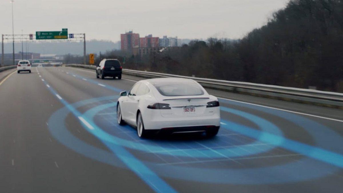 ABD, Teslanın otopilot sistemine soruşturma açtı