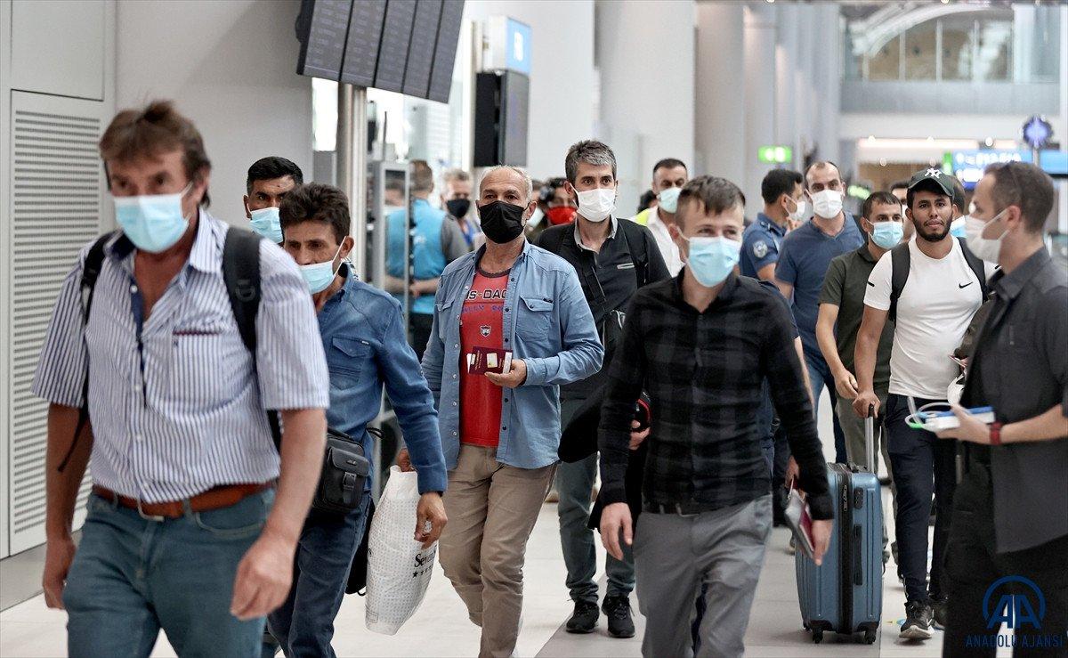 Kabil den Türkleri getiren THY uçağı İstanbul a iniş yaptı #9